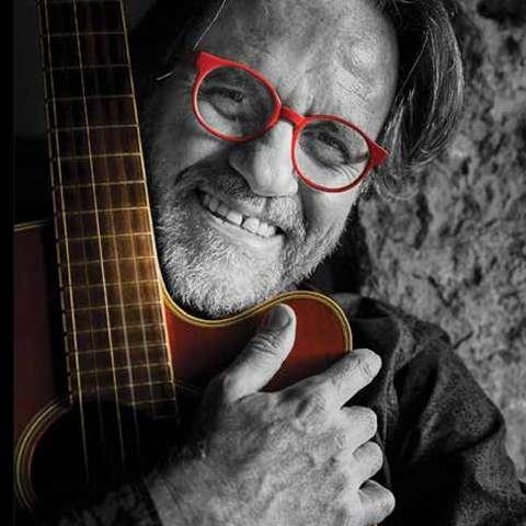 Arquitetando a poesia e a música, Ângelo Arruda lança livro e CD neste mês