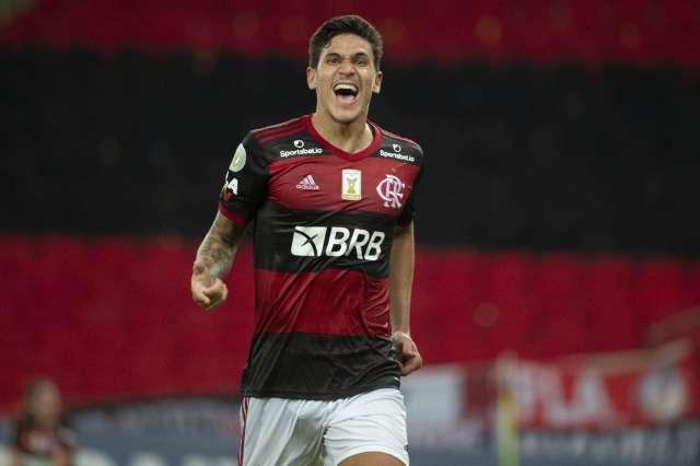 Flamengo recebe Red Bull Bragantino com liderança do Brasileiro em jogo
