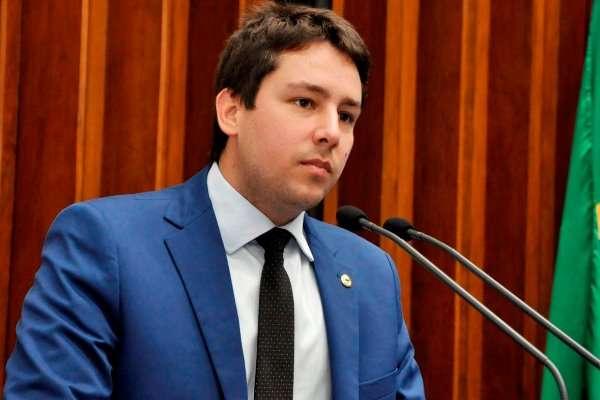 João Henrique Catan invoca Kubitschek para 'encarar o sistema'