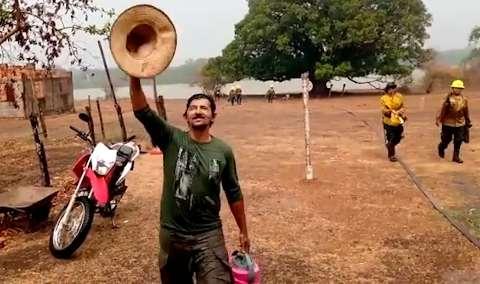 Em vídeo, brigadistas comemoram a chegada da chuva na Serra do Amolar