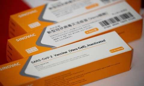 CoronaVac é a vacina em teste mais segura contra covid-19