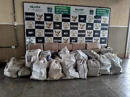 Polícia encontra 1.830 quilos de maconha escondidos em carga de aveia