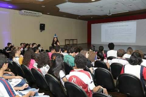 Prefeitura autoriza aulas presenciais de cursinho pré-vestibular