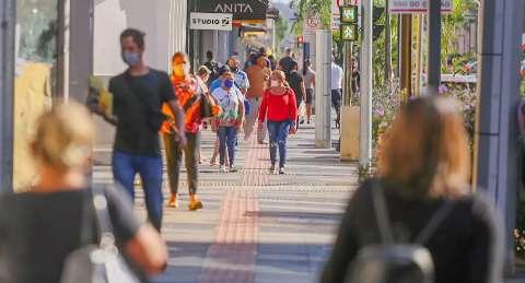 Comitê emite alerta e lembra população que pandemia não acabou