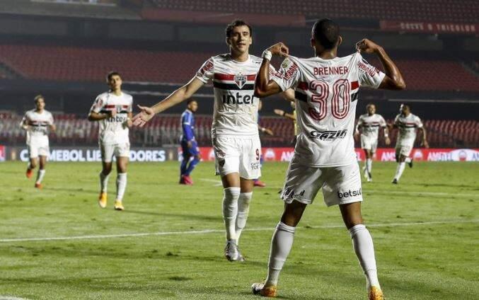 Comemoração dos jogadores do São Paulo durante o jogo desta noite. (Foto: Staff Images / CONMEBOL)
