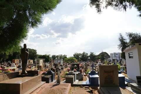 Cemitérios terão limite de 50% para visitantes no Dia de Finados