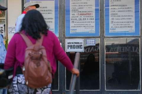 Agência de empregos oferece 80 vagas para atendente de telemarketing