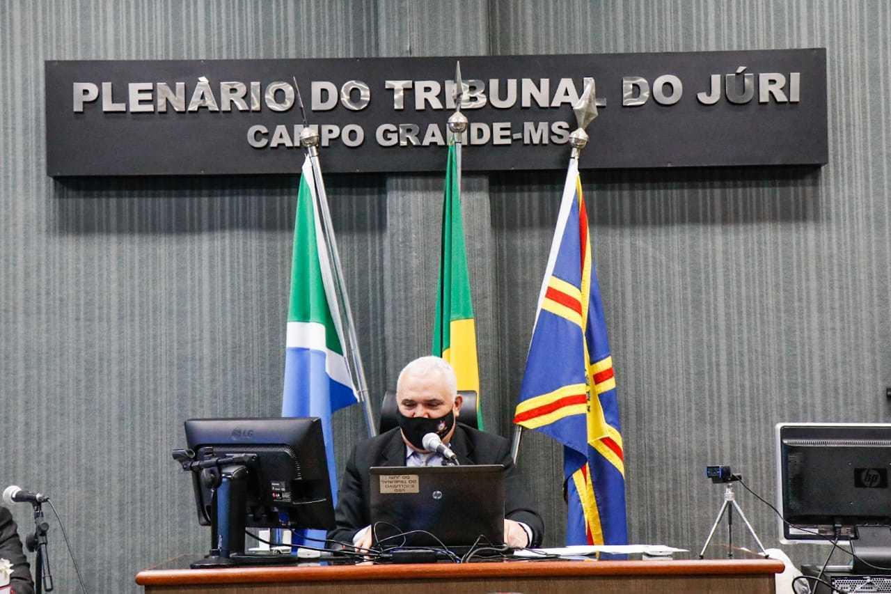 Juiz Aluízio Pereira dos Santos, da 2ª Vara do Tribunal do Júri. (Foto: Henrique Kawaminami)