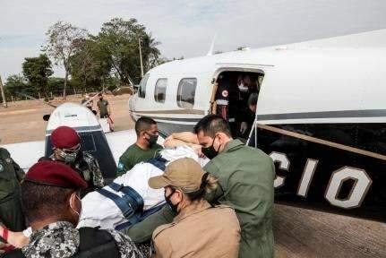 Após 2 semanas, piloto que caiu com helicóptero no Pantanal recebe alta