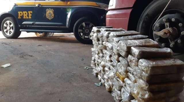 3ª apreensão milionária do dia tem 129 kg de cocaína em carreta