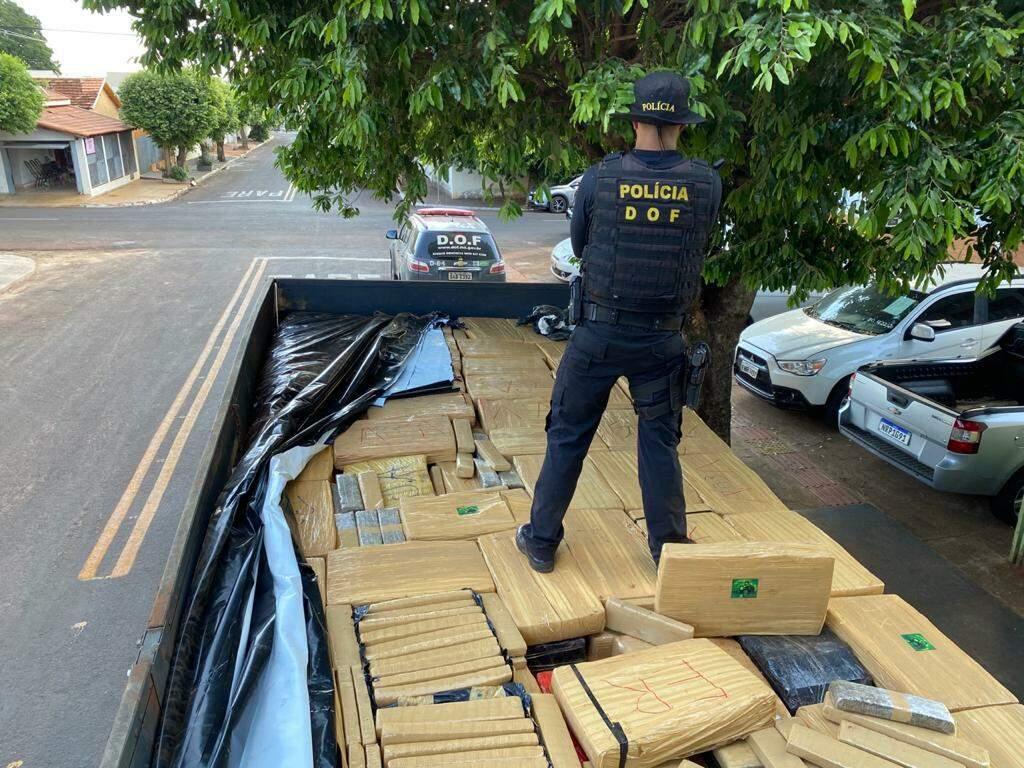 Apreensão recente totalizou 6 toneladas de maconha apreendidas de uma vez (Foto: Divulgação/DOF)