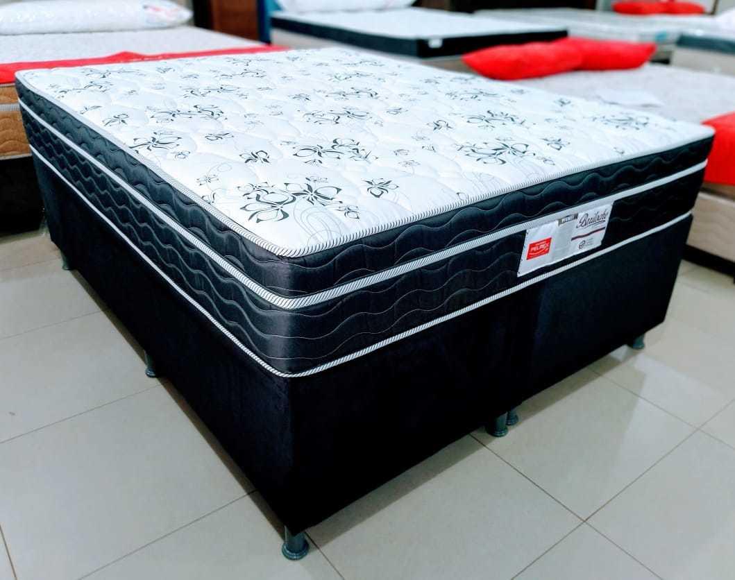 Conjunto box Queen 1.58x 1,98 por 10x R$ 189,00 (Foto: Divulgação)