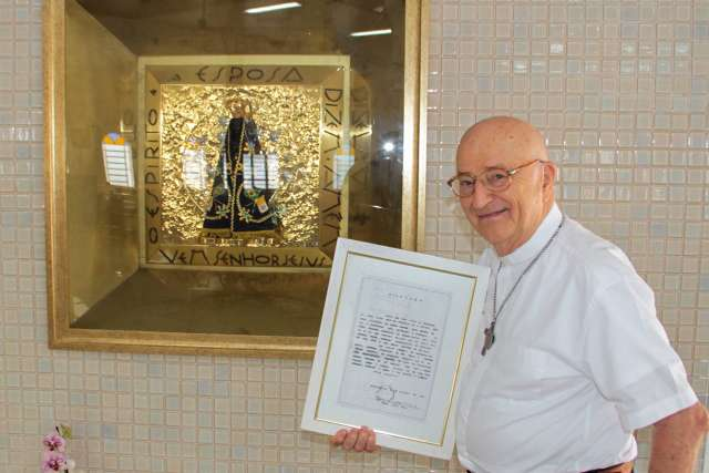 Padre Luciano trouxe pedaço de Nossa Senhora de Aparecida para MS