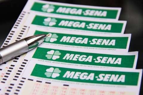 Mega-Sena acumula de novo e pode pagar R$ 45 milhões quarta-feira