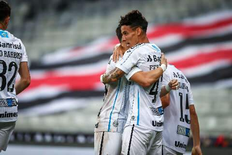 Grêmio usa time misto e vence o Athletico-PR na Arena da Baixada