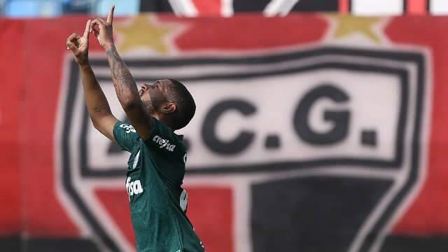Palmeiras derrota Atlético-GO por 3 a 0 e encerra sequência ruim no Brasileirão