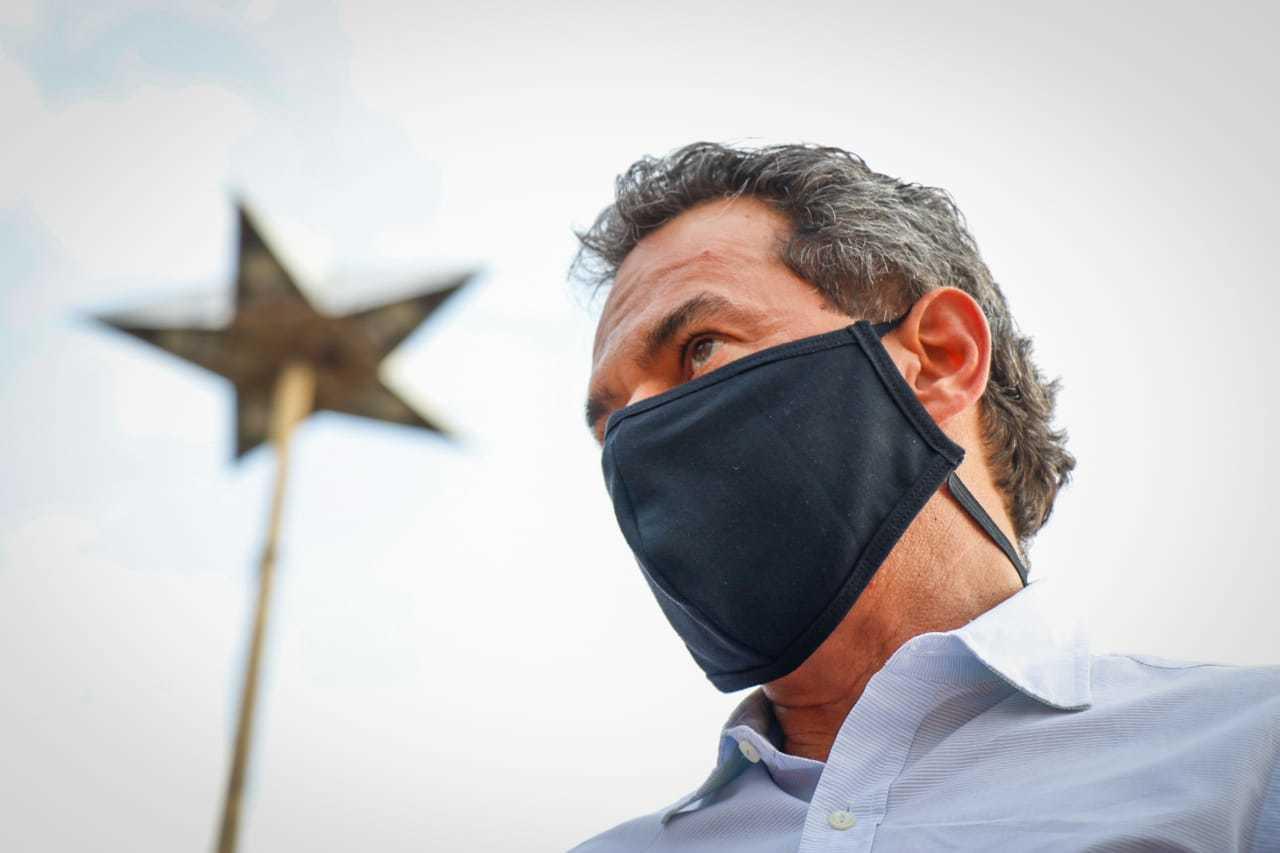 Candidato à reeleição, Marquinhos Trad aparece com 53,56% dos votos válidos em pesquisa. (Foto: Henrique Kawaminami)