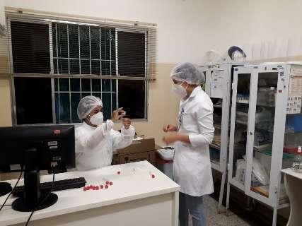 Voluntários são vacinados e tomam 2ª dose da Coronavac daqui duas semanas
