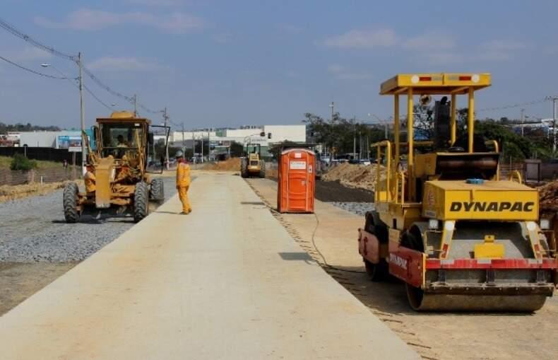 Empréstimo junto à Caixa vai ser usado para substituir de veículos leves a máquinas pesadas em Campo Grande. (Arquivo)