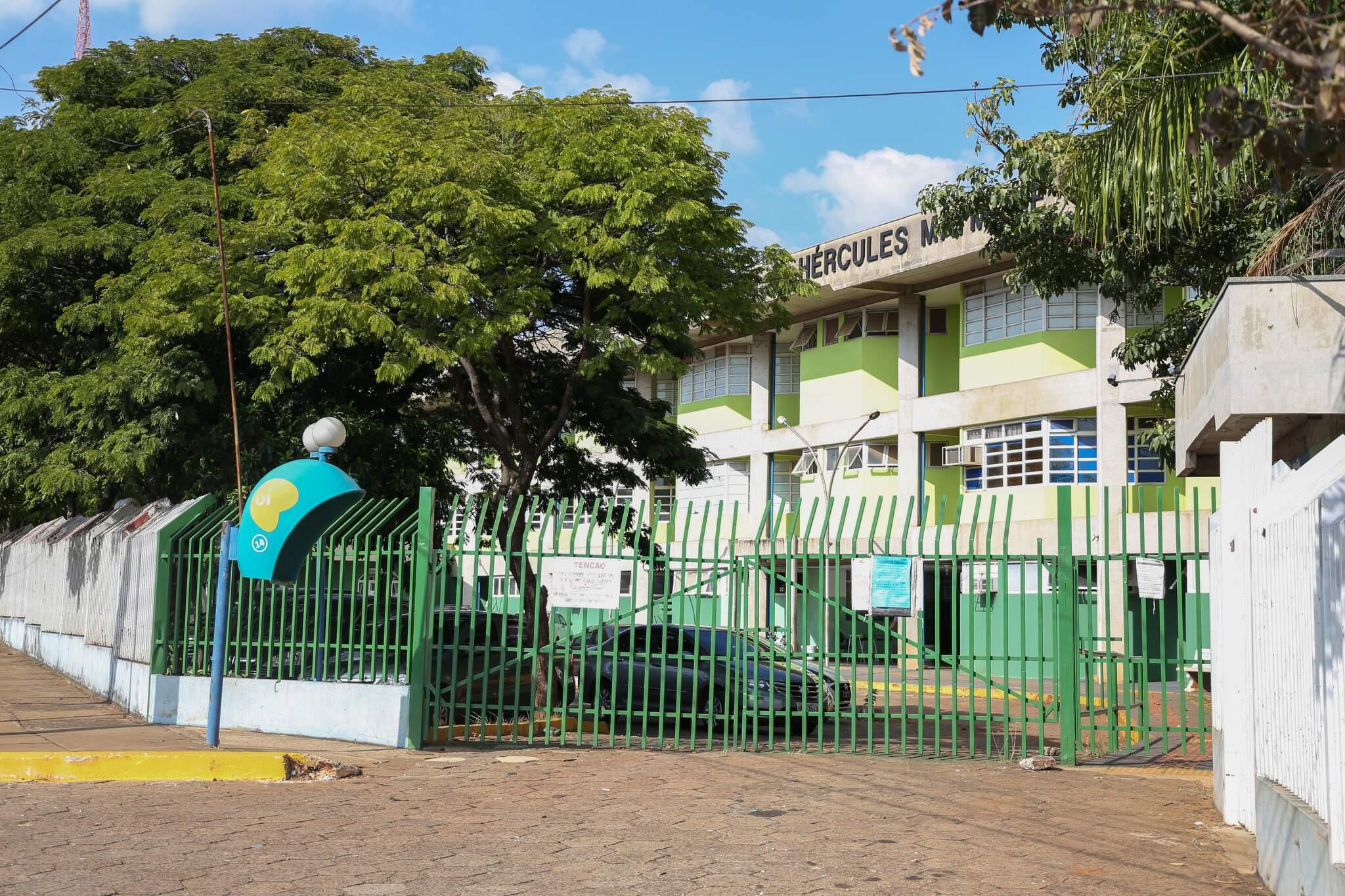 Escolas estaduais estão fechadas para aulas presenciais desde 23 de março deste ano. (Foto: Paulo Francis/Arquivo)