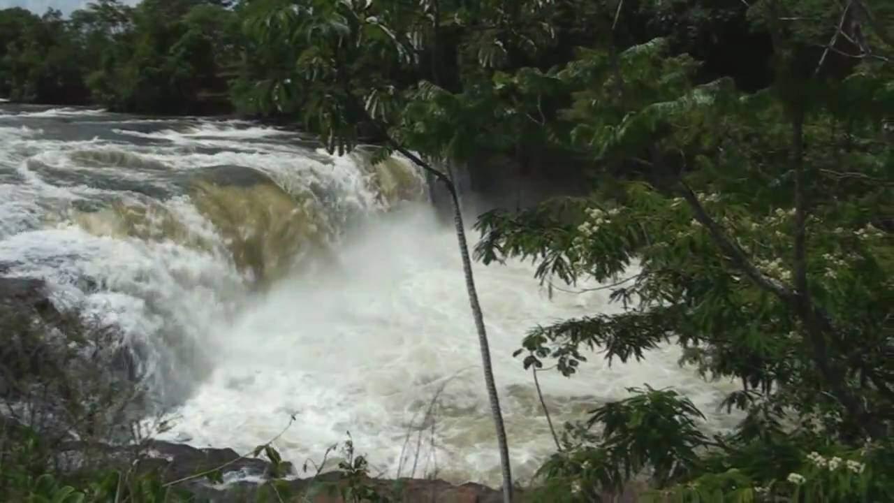 Cachoeira Salto do Aporé, no rio Aporé, em Cassilândia, atrativo de natureza para ficar longe das aglomerações (Foto: Divulgação)