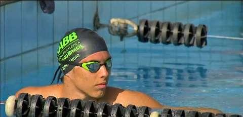 Falta de piscina para treinos é principal obstáculo para 'promessas' da natação