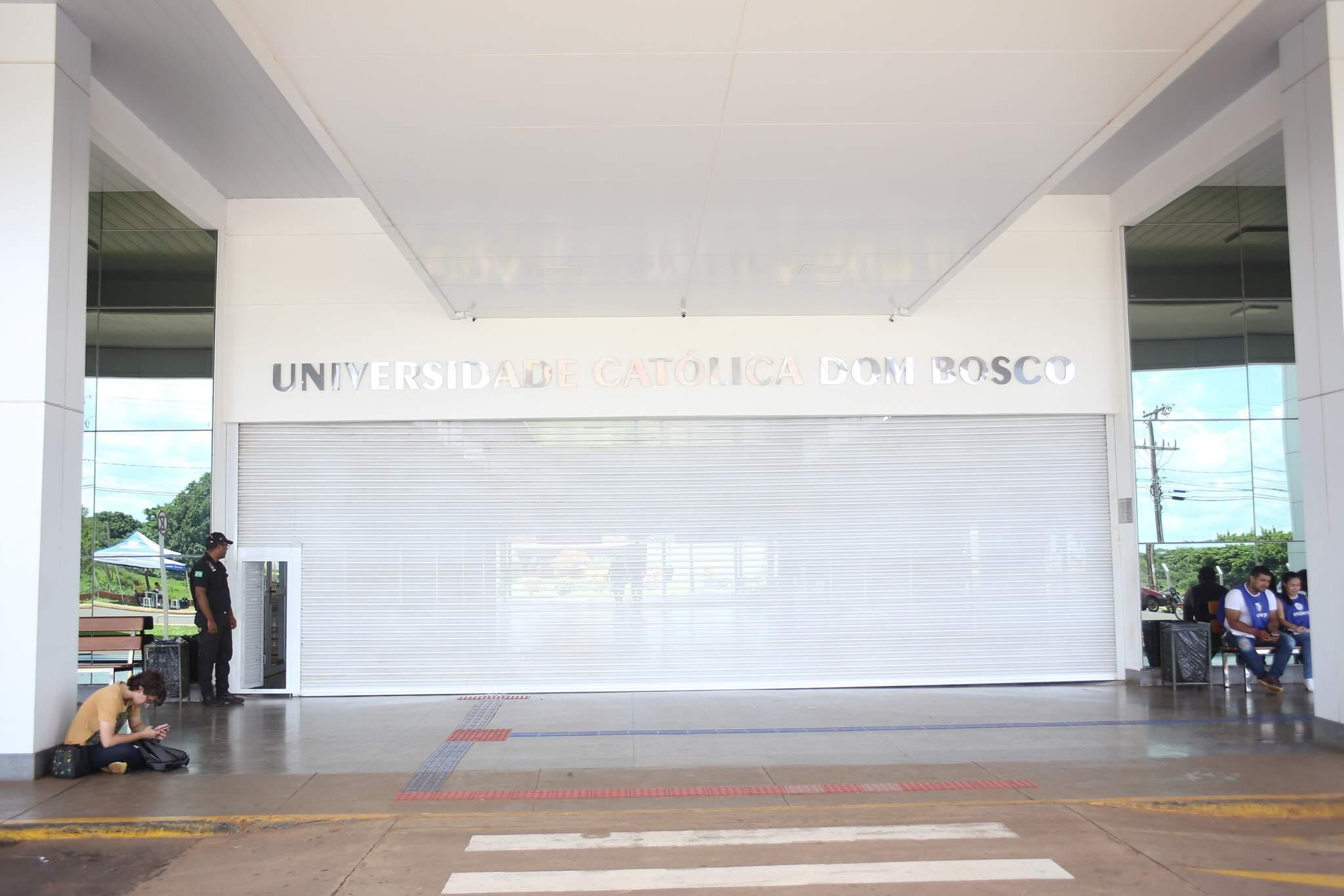 Entrada principal do Campus UCDB, na Av Tamandaré (Foto:Paulo Francis/Arquivo)