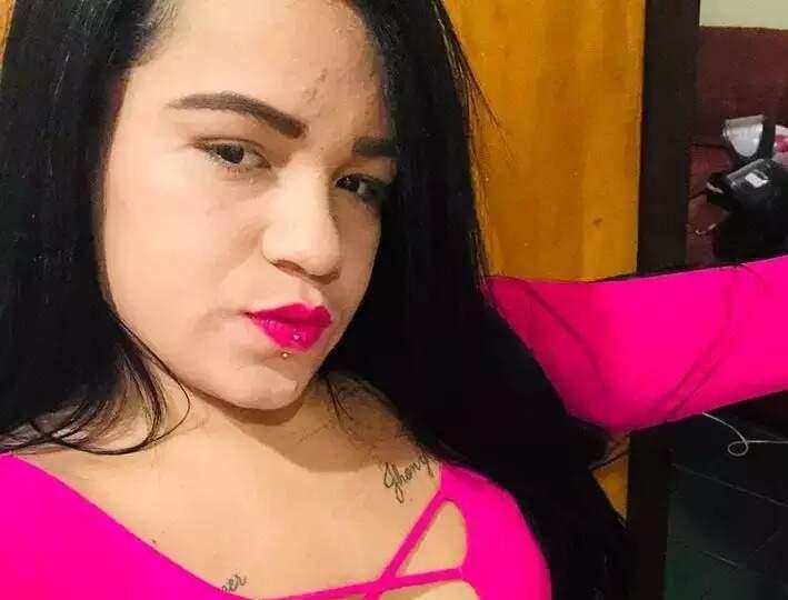 """Carolina Leandro Souto, 23 anos, a """"Karolzinha"""". (Foto: Reprodução/Facebook)"""