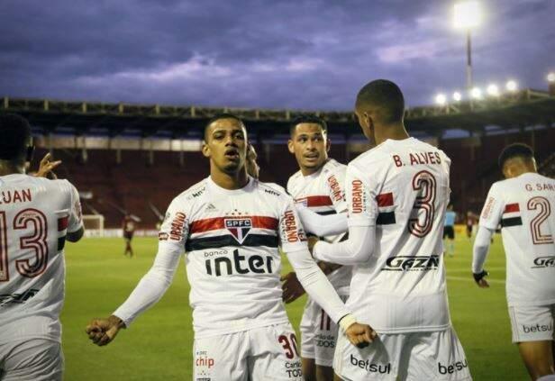 Comemoração dos jogadores durante a partida desta noite. (Foto: Staff Images/Conmebol)