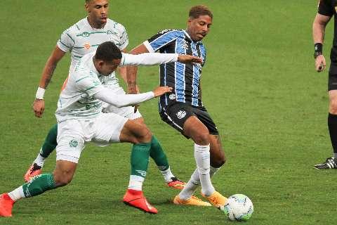Sem empolgar, Grêmio derrota Juventude e abre vantagem na Copa do Brasil