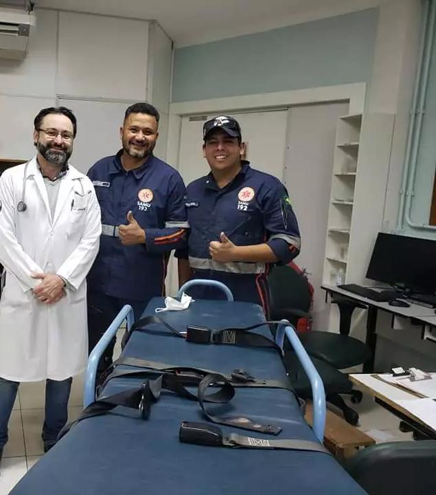 Neurologista, Gabriel Braga junto com o Samu na unidade de AVC em momento anterior à pandemia. (Foto: Arquivo)