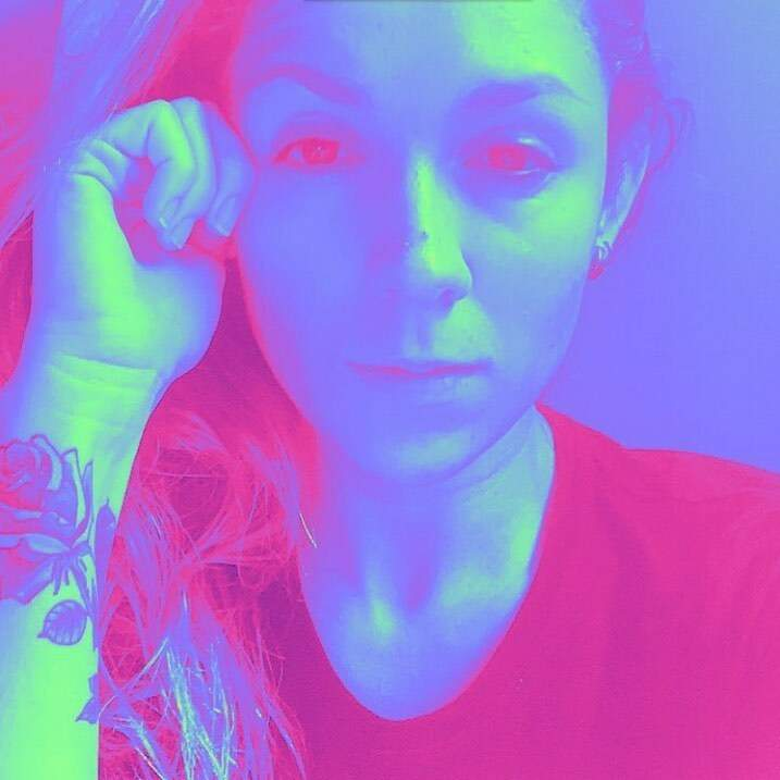 Outro amigo de Bianca, o criador de conteúdo Caio Vita também fez esse filtro multicolorido em que ela fez questão de compartilhar (Foto: Arquivo Pessoal)