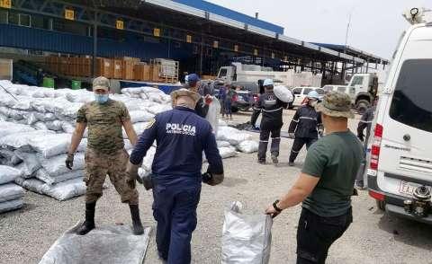 Após apreensão recorde de cocaína, volta vistoria em carga de carvão
