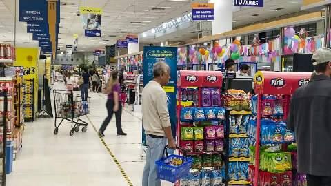 Após impasse em outubro, supermercados poderão funcionar no Dia de Finados