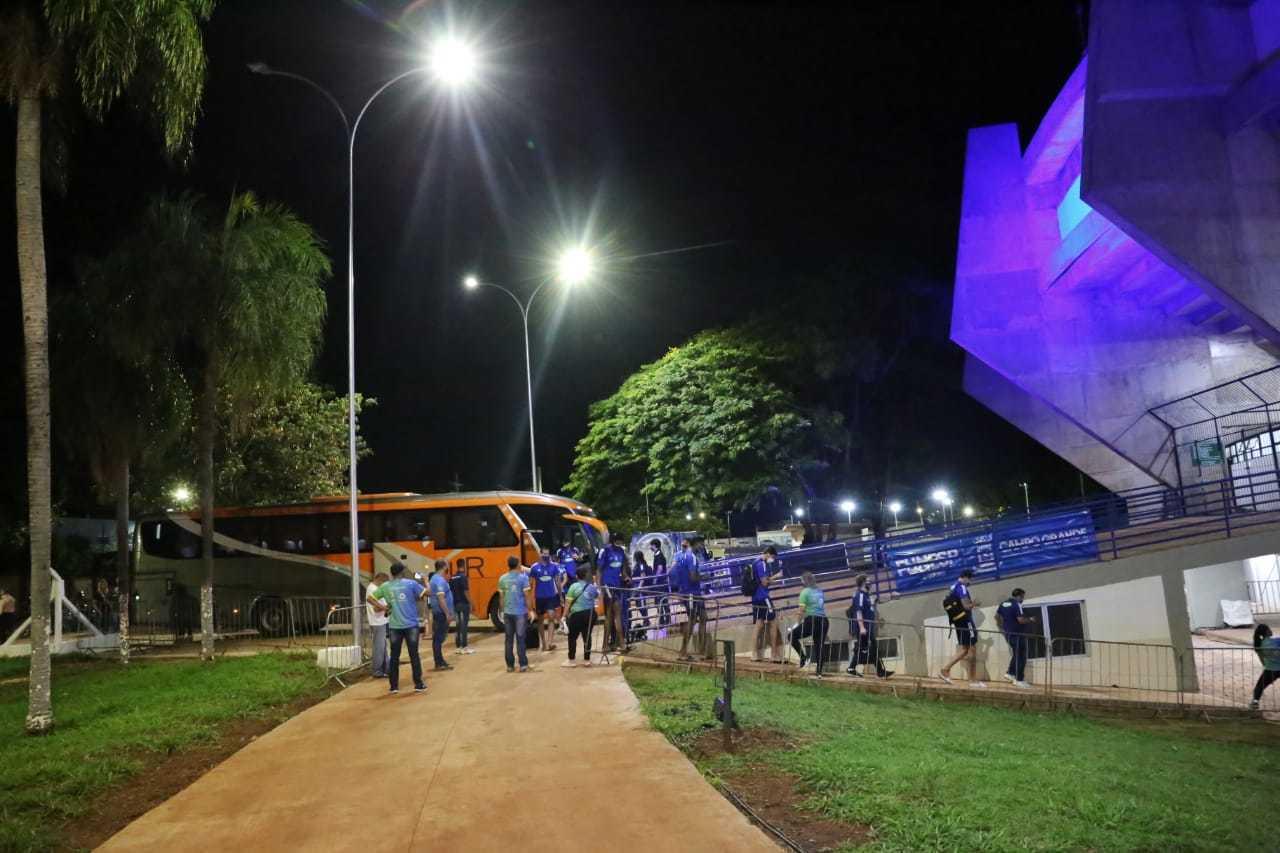 Desembarque dos jogadores dos times EMS Taubaté Funvic (SP) e Sada Cruzeiro (MG). (Foto: Paulo Francis)