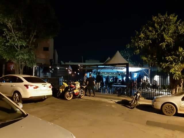 """Polícia acaba com música ao vivo em bar """"polêmico"""" na Chácara Cachoeira"""