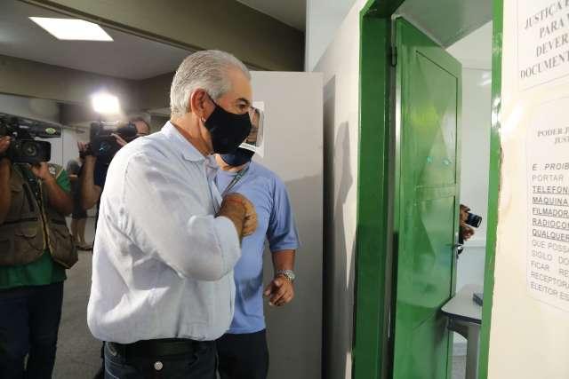 """""""Melhor caminho"""", afirma Reinaldo sobre Marquinhos depois de votar"""