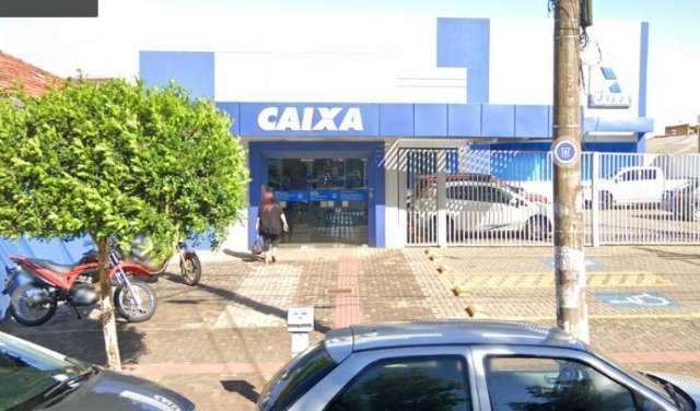 Idoso recebe ajuda de falsa bancária para depósito e perde R$ 5 mil