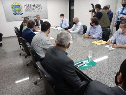 Setor industrial discute com deputados medidas para alavancar economia