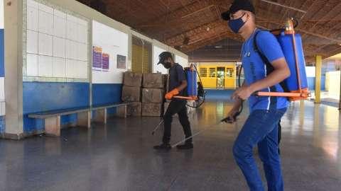 Escolas são preparadas para voltar às aulas presenciais no dia 8 de fevereiro