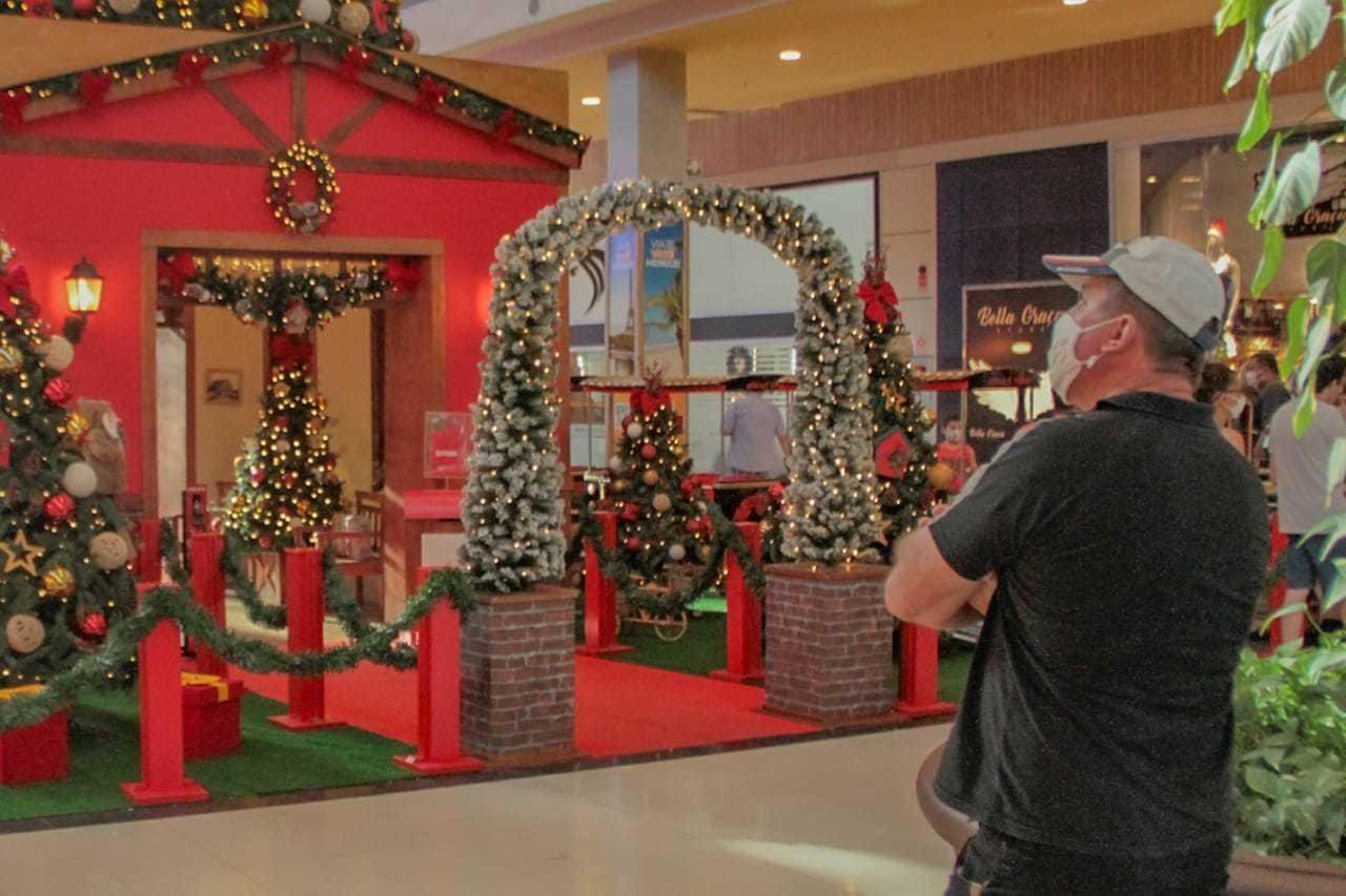 Maioria acha que não deve haver mudança na decoração de Natal (Foto: Marcos Maluf)
