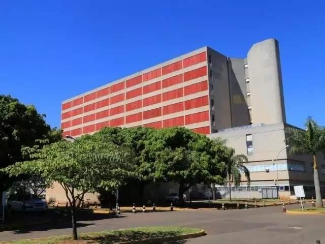 Entrada do Hospital Regional de MS, em Campo Grande (Foto: Arquivo)