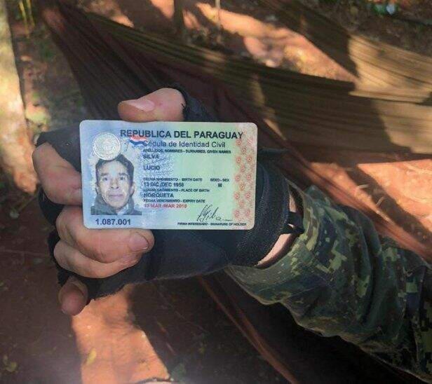 En el campamento fue encontrado la cédula de uno de los miembros del EPP, identificado como Lucio Silva (Foto: Divulgação/Ultima Hora/Gentileza)