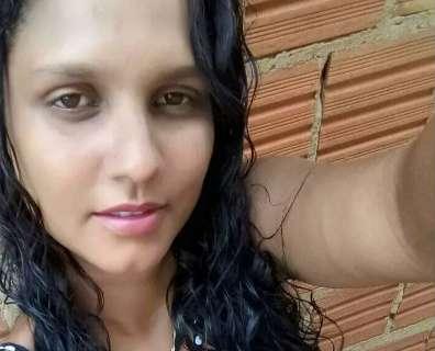 Ex invade apartamento e mata mulher a facadas