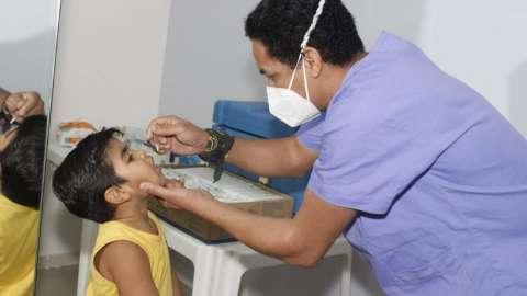 Com vacinação em baixa, campanha é levada para escolas e igrejas