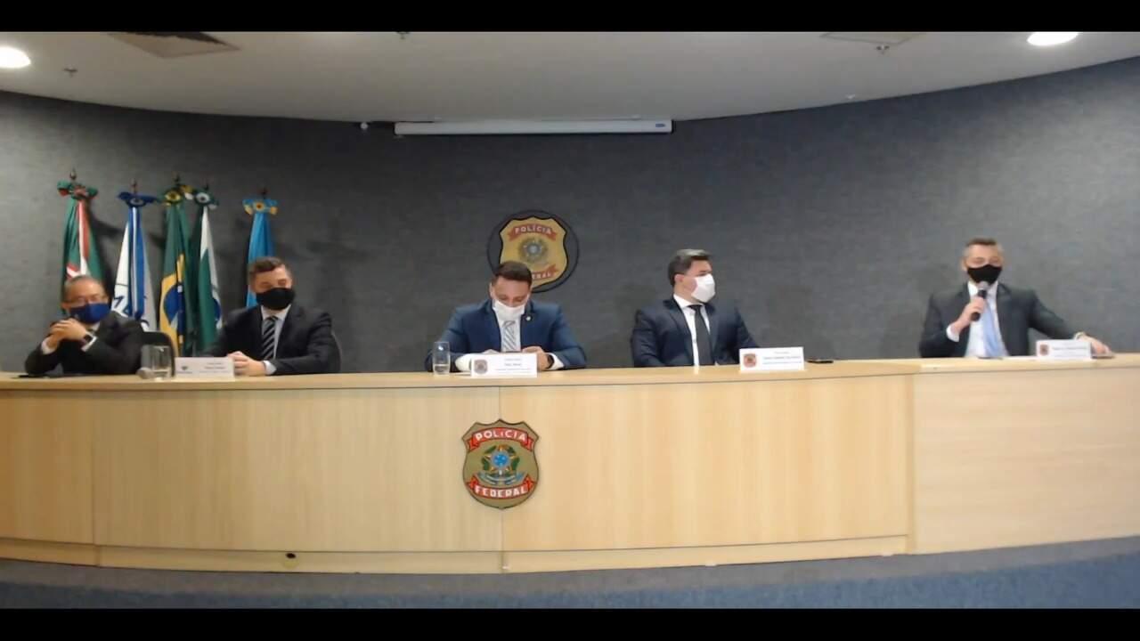 Entrevista coletiva na PF em Curitiba, em que operação foi detalhada (Foto/Reprodução)