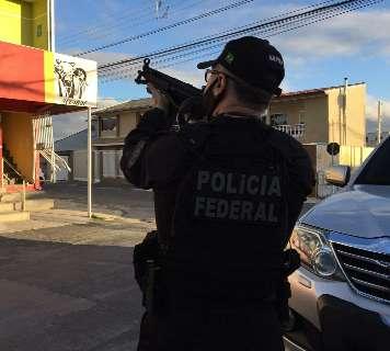 Contra o tráfico de cocaína, PF sequestra R$ 400 milhões e sai para prender 66