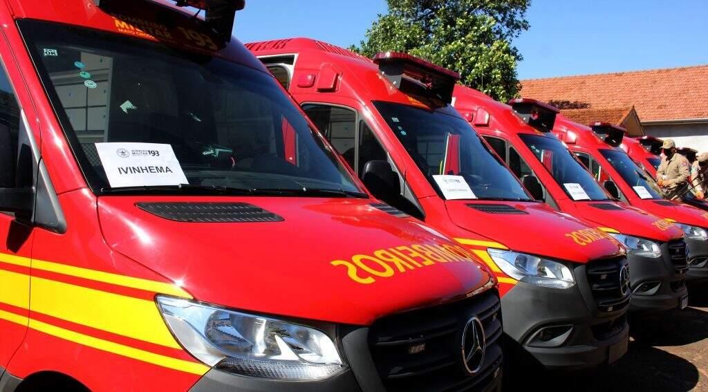 Novas viaturas entregues ao Corpo de Bombeiros (Foto: Chico Ribeiro - Governo MS)