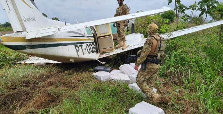 PF do Pará apreende aeronave de traficante de MS com 452 kg de maconha