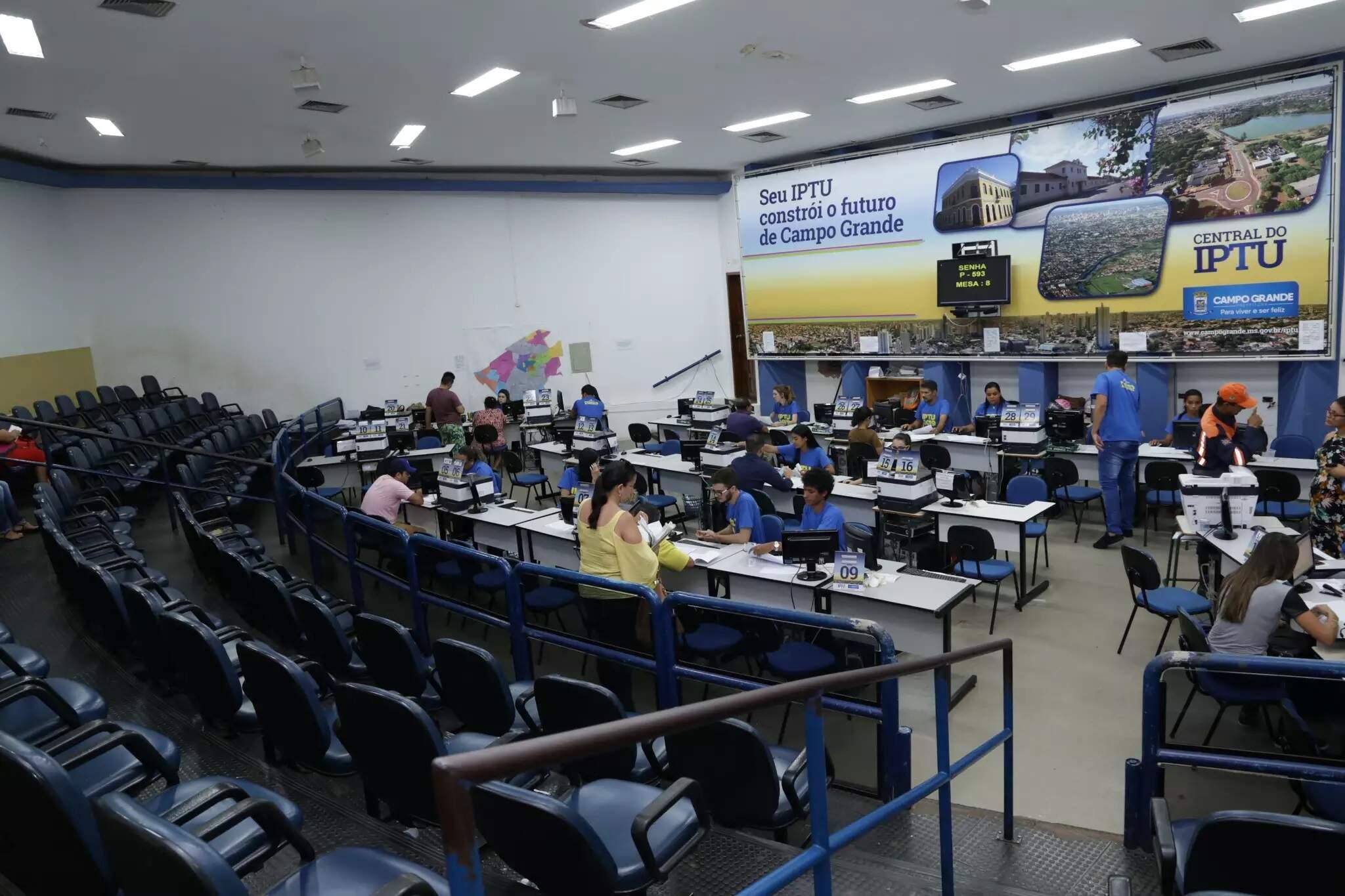 Central do IPTU, no anexo do Paço Municipal de Campo Grande (Foto: Kisie Ainoã - Arquivo)